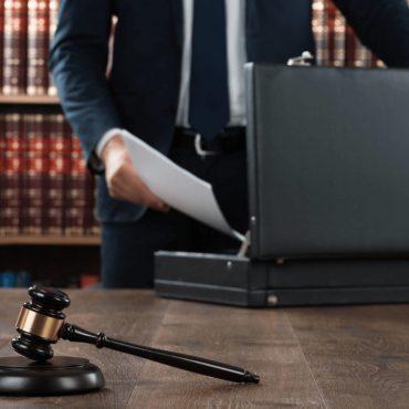 представитель в суде